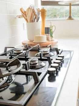 do gas stoves come with auto shutoff features